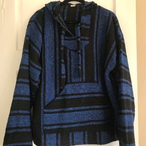 Tops - Drug rug sweatshirt